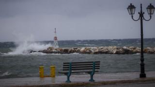Καιρός: Άνεμοι 111 χιλιομέτρων «σάρωσαν» την Ελλάδα - «Καρφωμένος» πάνω από 30 ο υδράργυρος