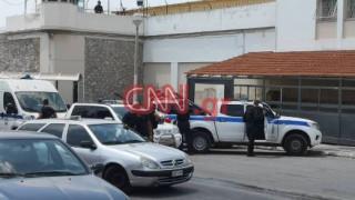 Φυλακές Κορυδαλλού: Λόγχες, χατζάρια και σανίδες με καρφιά στο οπλοστάσιο των κρατουμένων