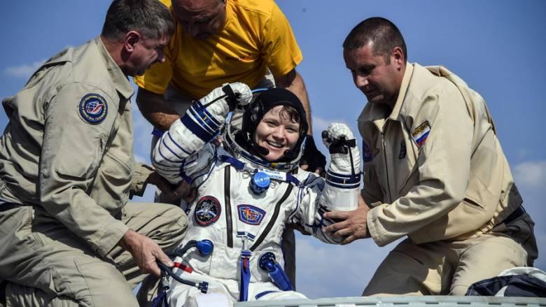 Τρεις αστροναύτες του Διεθνούς Διαστημικού Σταθμού επέστρεψαν... σώοι μετά από 6 μήνες στη Γη