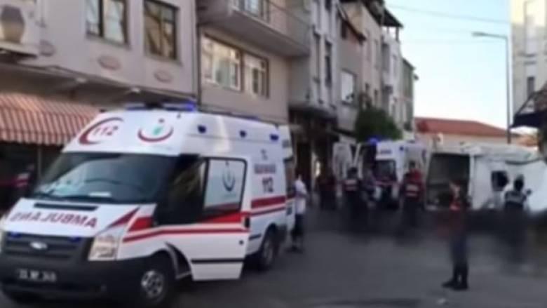 Φρικτό δυστύχημα με δέκα νεκρούς στην Τουρκία: Bαν με μετανάστες έπεσε πάνω σε κατάστημα