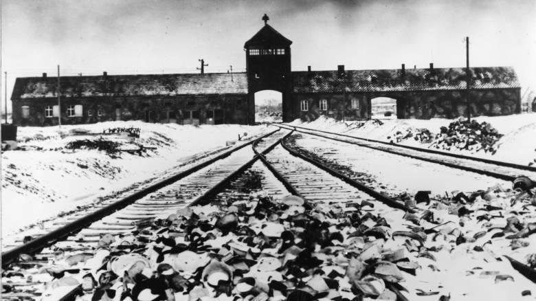 Οι ολλανδικοί σιδηρόδρομοι θα αποζημιώσουν όσους μεταφέρθηκαν με τρένα σε στρατόπεδα συγκέντρωσης
