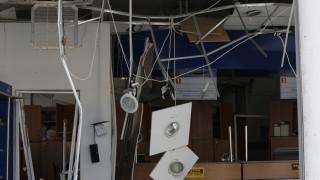 Βομβαρδισμένο τοπίο τα ΕΛΤΑ Κερατέας μετά τις εκρήξεις