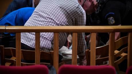 Διεκόπη η δίκη της Χρυσής Αυγής - Κατέρρευσε ο κατηγορούμενος Γ. Πατέλης