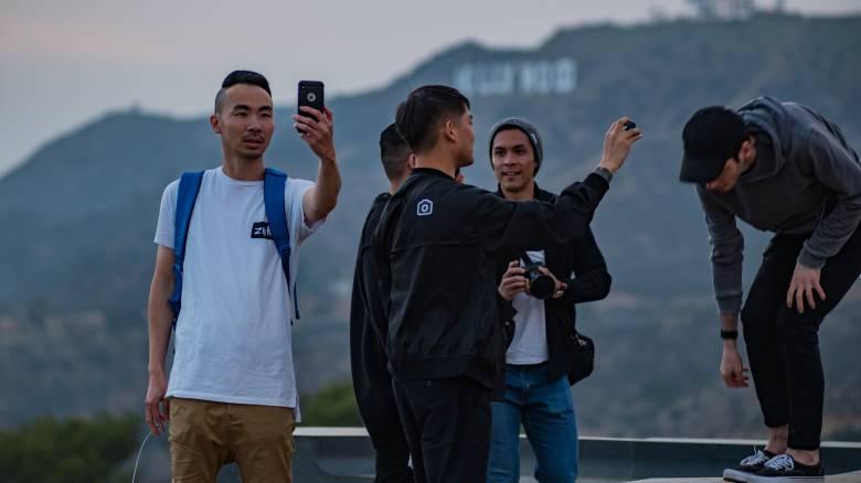 Απίστευτο και όμως... αληθινό: Πέντε φορές πιο φονικές από τις επιθέσεις καρχαριών οι selfies
