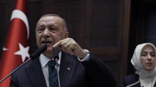 Νέο «χαστούκι» για Ερντογάν: Σχεδιάζουν τη διάσπαση του κόμματός του