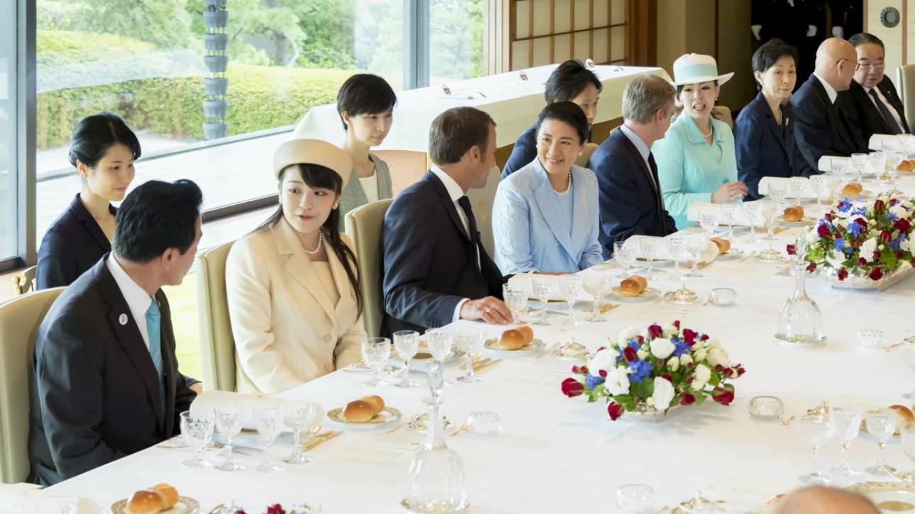 Ιαπωνία: Αυτοκρατορικό γεύμα για το ζεύγος Μακρόν στο Τόκιο