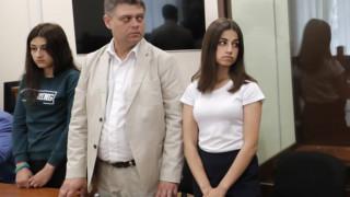 Ρωσία: Σάλος με τις αδερφές που σκότωσαν τον πατέρα τους που τις κακοποιούσε καθημερινά