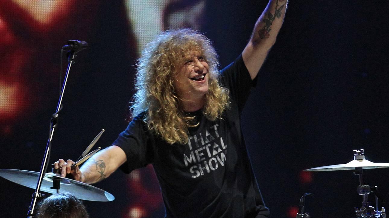 Στίβεν Άντλερ: Ο πρώην ντράμερ των Guns N' Roses αυτομαχαιρώθηκε στην κοιλιά