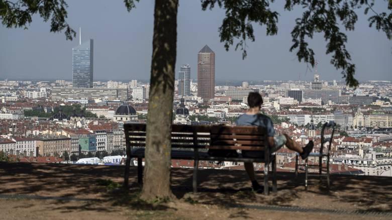 Θερμοκρασία - ρεκόρ στη Γαλλία: 45,1 βαθμούς Κελσίου έδειξε το θερμόμετρο
