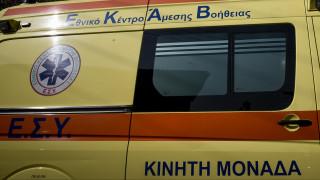 Σοβαρό τροχαίο στην Καλλιθέα: Μεθυσμένος οδηγός παρέσυρε δυο νεαρούς