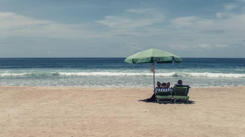 ΟΑΕΔ - Κοινωνικός τουρισμός 2019: Πότε θα ανακοινωθεί ποιοι θα κάνουν δωρεάν διακοπές