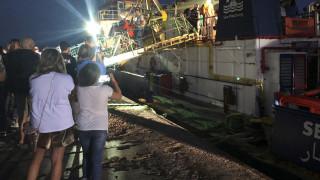 Sea Watch: «Φοβόμουν ότι οι μετανάστες θα αυτοκτονούσαν πάνω στο πλοίο» λέει η πλοίαρχος