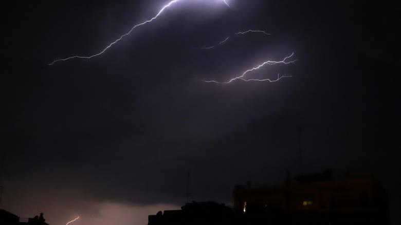 Δεν πέρασε μέρα του Ιουνίου χωρίς κεραυνό στην Ελλάδα: Έπεσαν περισσότεροι από 67.000
