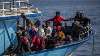 Ιταλία: Νέα διάσωση 55 μεταναστών που βρίσκονταν επί τρεις μέρες στη θάλασσα