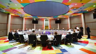 Θρίλερ στη Σύνοδο Κορυφής: Πάνω που… αχνοφαινόταν «λευκός καπνός», διεκόπη