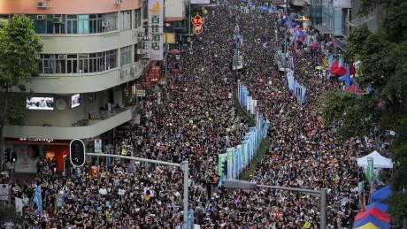 Χονγκ Κονγκ: 22 χρόνια από τη μετάβασή του στην Κίνα, η πόλη καταρρέει - Τι πήγε τόσο στραβά;