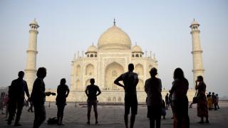 Ο υπερ-τουρισμός απειλεί: Ποιοι δημοφιλείς προορισμοί κινδυνεύουν - Μεταξύ αυτών και ένας ελληνικός