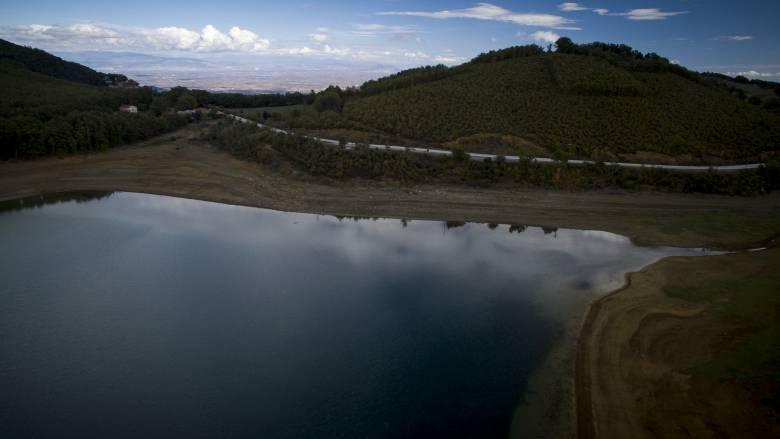 Λίμνη Πλαστήρα: Ψάρεψε τεράστιο γουλιανό 70 κιλών
