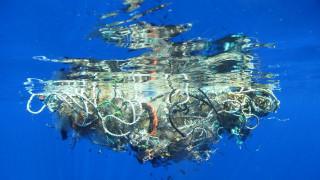 Τεράστιο δίχτυ-φάντασμα «σκοτώνει» τον Ειρηνικό με τόνους σκουπιδιών