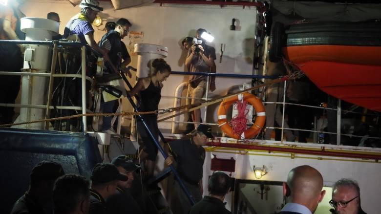 Ρακέτε: Στο πλευρό της ελληνικές οργανώσεις - Πάνω από ένα 1 εκατ. δωρέες για την απελευθέρωσή της