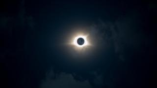 Ολική έκλειψη ηλίου: Στο επίκεντρο της παγκόσμιας αστρονομίας - Πού θα είναι ορατή