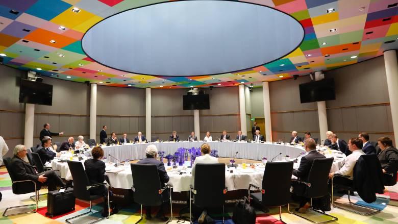 Σύνοδος Κορυφής: Συμφωνία α πριόρι – Δύο γυναίκες λύνουν το «γόρδιο δεσμό»