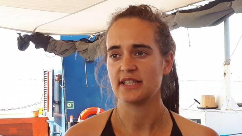 Καρόλα Ράκετε: Σε μυστική τοποθεσία μεταφέρθηκε η πλοίαρχος του Sea Watch 3 - Δέχθηκε απειλές