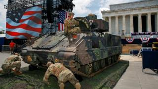 Σόουμαν Τραμπ: «Κατεβάζει» τανκς και μαχητικά για τους εορτασμούς της 4ης Ιουλίου