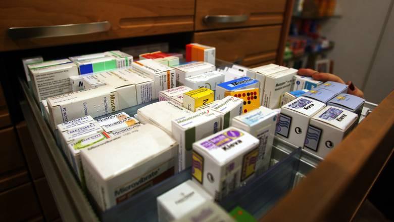 «Όχι» του υπουργείου Υγείας σε οικειοθελείς μειώσεις τιμών σε φάρμακα