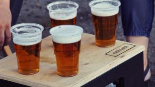 Μπύρα: Πόσες θερμίδες έχει και ποια τα οφέλη για την υγεία