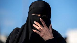 Τυνησία: Οι αρχές απαγορεύουν το νικάμπ μετά τις τρομοκρατικές επιθέσεις