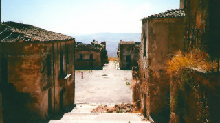 Poggioreale: Το χωριό – φάντασμα της ιταλικής υπαίθρου που «ξαναγεννιέται»