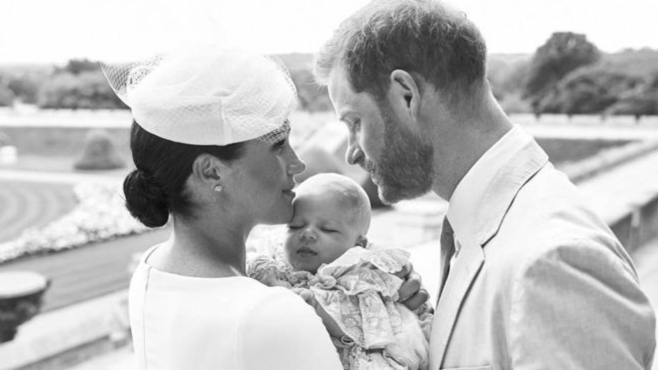 Βρετανία: Βαφτίστηκε ο μικρός Άρτσι - Οι πρώτες φωτογραφίες
