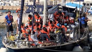 Απειλές Σαλβίνι στο πλοίο διάσωσης μεταναστών που έδεσε στη Λαμπεντούζα παρά την απαγόρευση