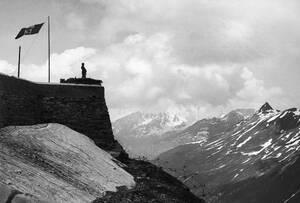 1940, Γαλλία. Το γαλλικό οχυρό Τραβερσέτ, πέφτει σε ιταλικά χέρια..