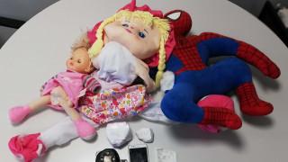 Θεσσαλονίκη: «Οικογενειακή επιχείρηση» διακίνησης ναρκωτικών - Έκρυβαν κοκαΐνη σε κούκλες