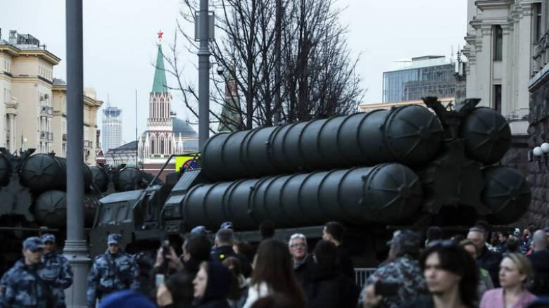 Κρεμλίνο: Προχωράει η συμφωνία για την παράδοση των S-400 στην Τουρκία