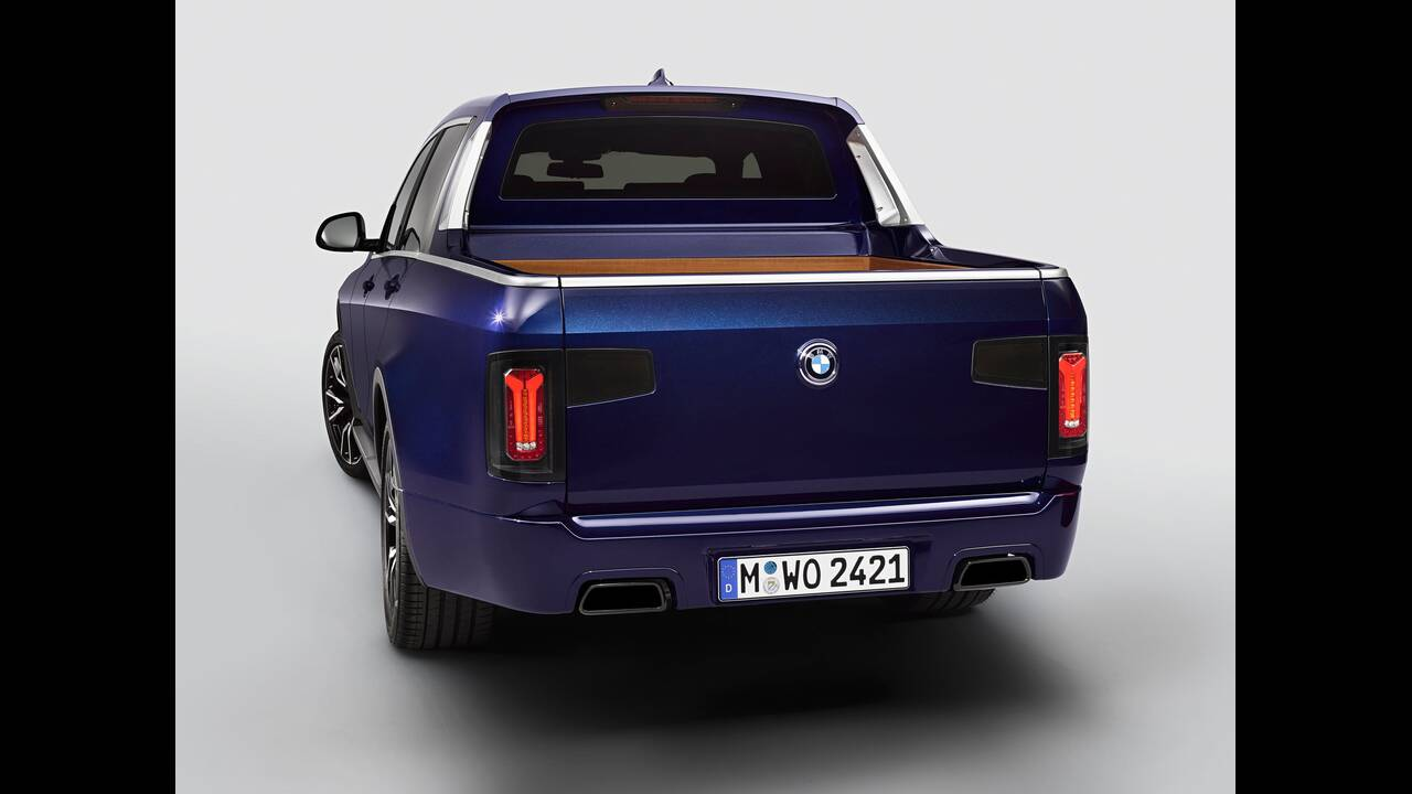 https://cdn.cnngreece.gr/media/news/2019/07/08/183707/photos/snapshot/BMW-X7-PICK-UP-5.jpg