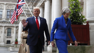 Επίθεση Τραμπ στη Μέι με αφορμή τα σχόλια του Βρετανού πρέσβη