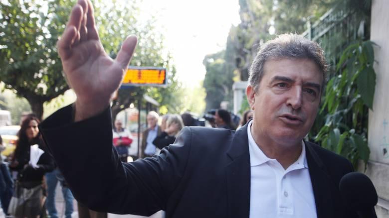 Νέα Δημοκρατία και ΣΥΡΙΖΑ «ψωνίζουν» στελέχη από το ΠΑΣΟΚ