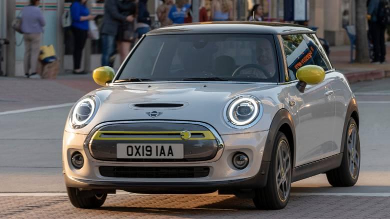 Το ηλεκτρικό Mini Cooper SE μπορεί να καλύψει μέχρι και 270 χιλιόμετρα
