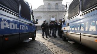 Ιταλία: Συλλήψεις και κατασχέσεις ναζιστικού υλικού και οπλοστασίου στο Τορίνo