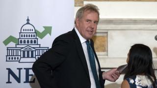 Παραιτήθηκε ο Βρετανός πρεσβευτής στις ΗΠΑ που αποκάλεσε «ανίκανο» τον Τραμπ