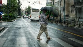 Καιρός: Ποιες περιοχές θα πληγούν από βροχές και καταιγίδες σήμερα