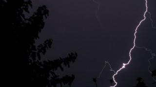 Έκτακτο δελτίο επιδείνωσης καιρού της ΕΜΥ: Βροχές και καταιγίδες τις επόμενες ώρες