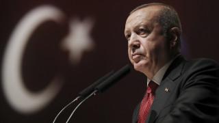 Το μετέωρο βήμα του Ερντογάν: Κίνδυνος αντίποινων από τις ΗΠΑ μετά την παραλαβή των S-400