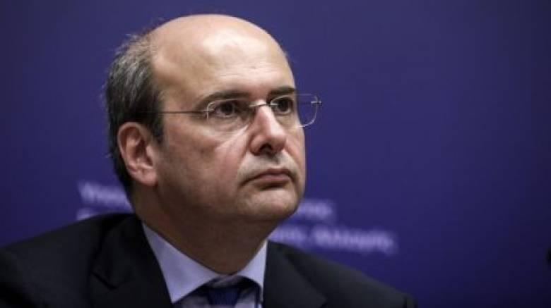 Χατζηδάκης: Η ΔΕΗ δεν έχει λεφτά ούτε για κολώνες