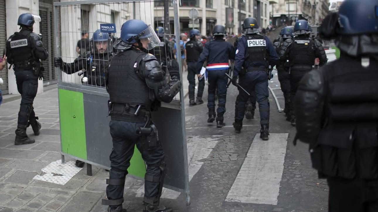 Παρίσι: Επεισόδια μεταξύ αστυνομικών και διαδηλωτών στην λεωφόρο των Ηλυσίων Πεδίων