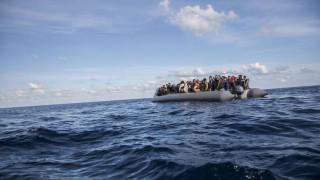 Τυνησία: Αλαλούμ με την ταφή των θυμάτων ναυαγίου