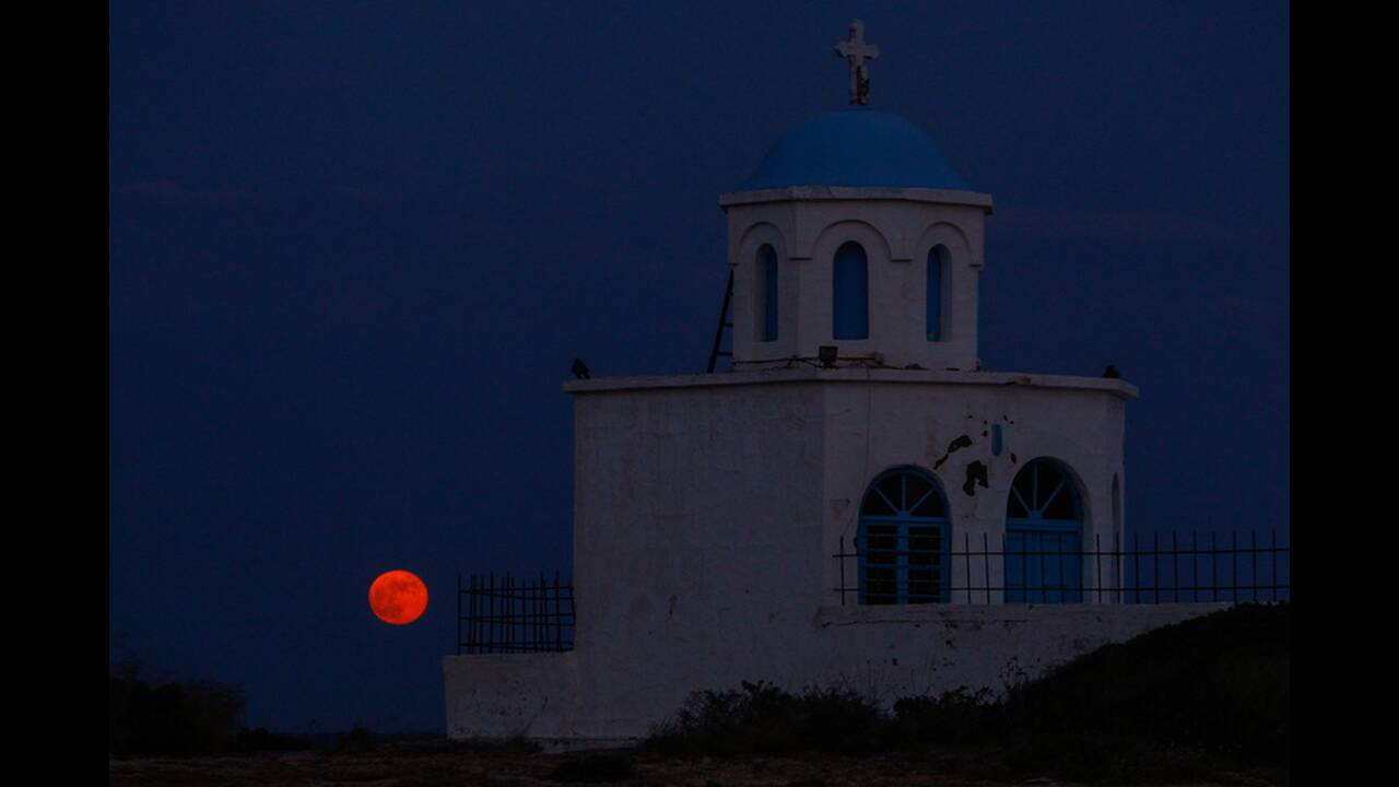 https://cdn.cnngreece.gr/media/news/2019/07/15/184421/photos/snapshot/4830193.jpg
